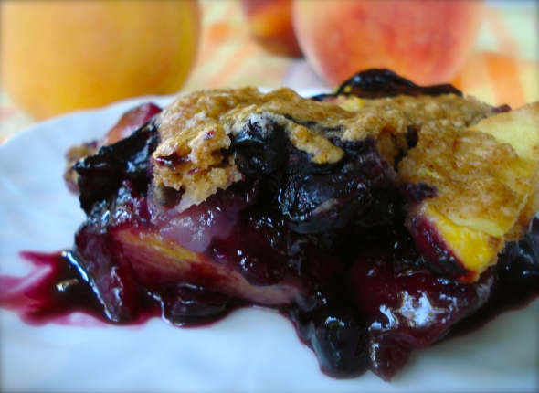 Baked Blueberry and Peach Crumble