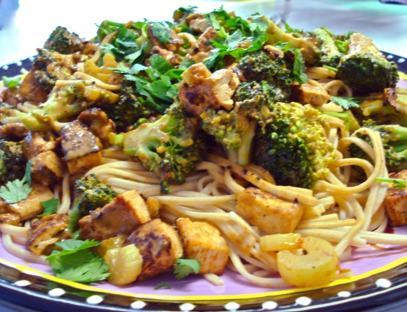 Spicy Peanut Sauce with Broccoli