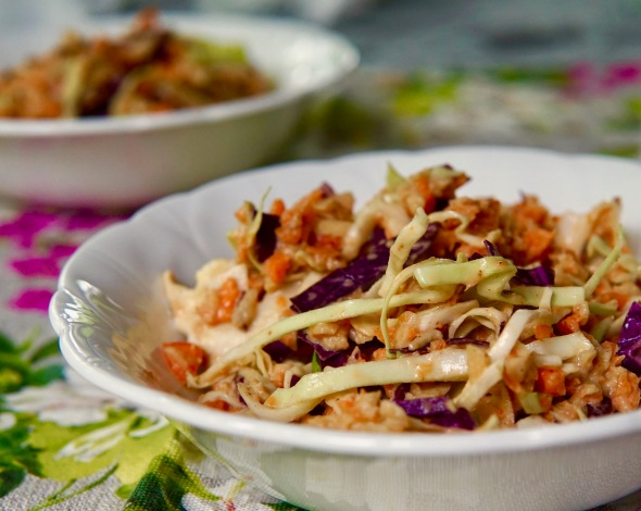 Sweet and Creamy Cabbage and Apple Slaw